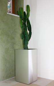 Edelstahl Pflanzgefäß 40x40cm, H=80cm